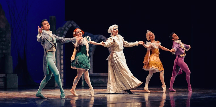 Elegance and Adventure: An Enchanting Cinderella